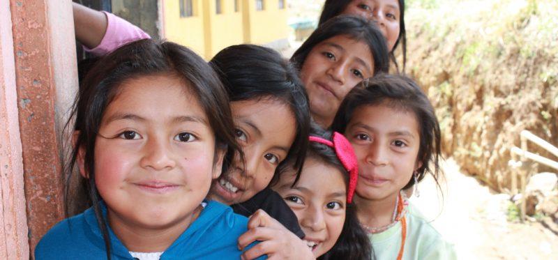 actec-proyecto-becas-para-las-ninas-donar-75